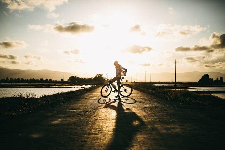 Cómo adelantar a un ciclista