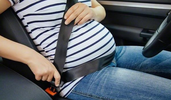Cómo deben usar el cinturón de seguridad las mujeres embarazadas