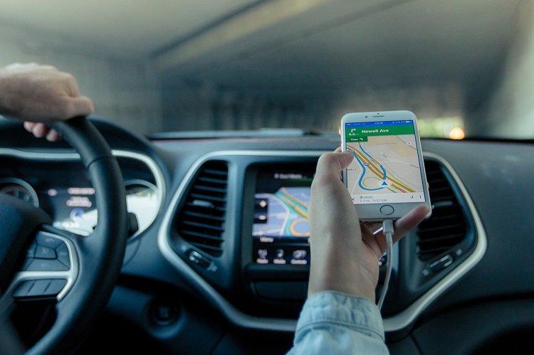 Cómo prevenir accidentes con la instalación de un GPS