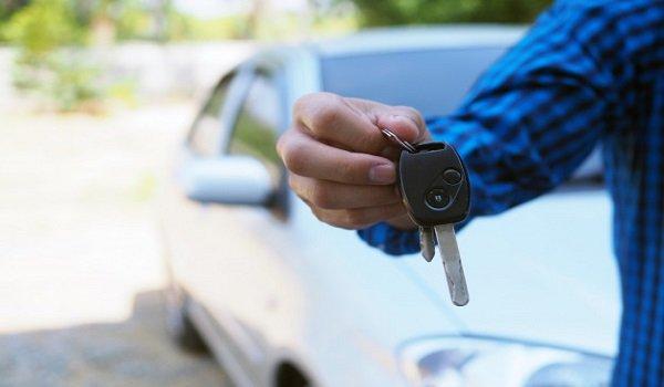 Qué ocurre si el conductor ebrio culpable del accidente no es el propietario del vehículo asegurado