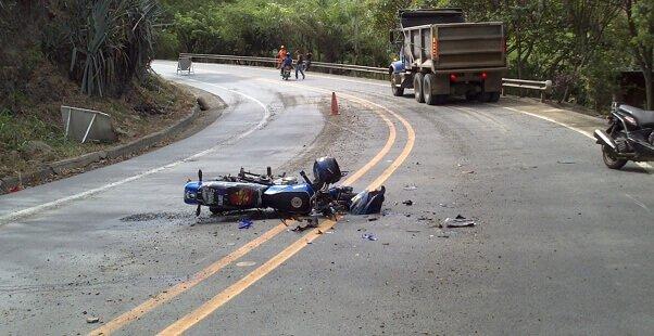Accidente en moto con acompañante
