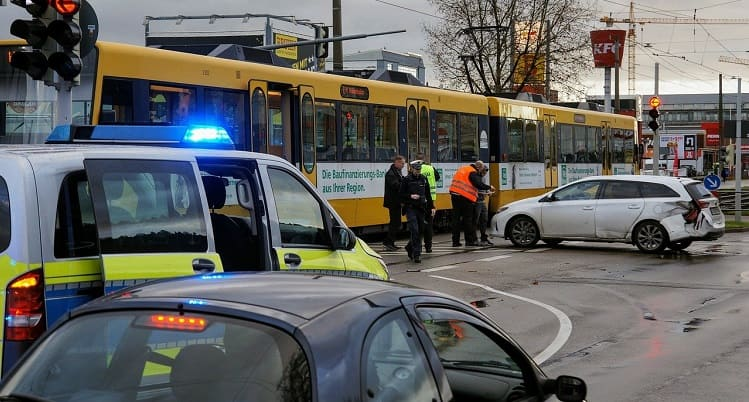 Qué hacer si eres testigo presencial de un accidente de tráfico